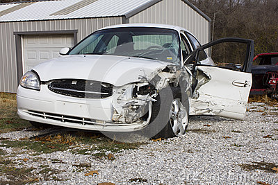2000 Ford Taurus Wreck