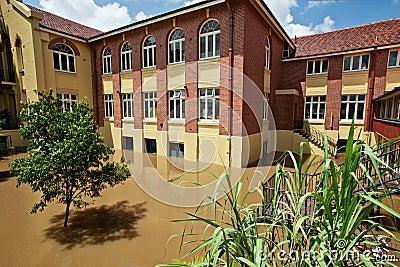 2011 Brisbane flood, Milton State School