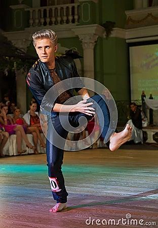 Художнический танец награждает 2012-2013 Редакционное Фотография