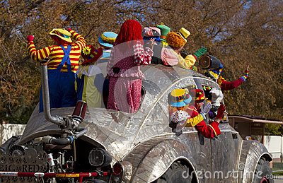 2012 Fiesta Bowl Parade Oversize Car Clowns Stock Images - Image: 28404664