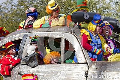 2012 Fiesta Bowl Parade Oversize Car Clowns Editorial Stock Image