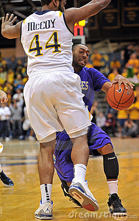 2012 NCAA Men s Basketball - Drexel - JMU Editorial Photography