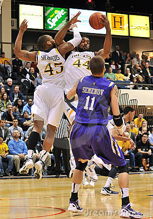 2012 NCAA Men s Basketball - Drexel - JMU Editorial Stock Photo