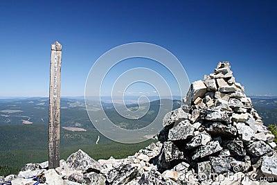 2272 Meters elevation sign