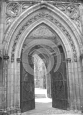 教会入口ii