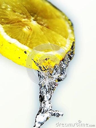 新鲜的柠檬