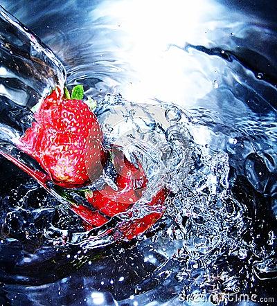新鲜的草莓水