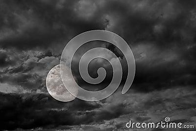 3/4 full moon 3