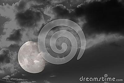 3/4 full moon 4