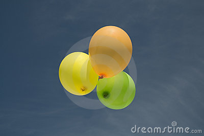 3 baloons in the sky