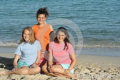 3 girls in t shirt