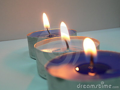 3 kaarsen in een rij