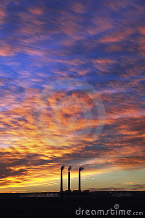 Free 3 Smoke Stacks @ Sunrise, Page, Arizona Royalty Free Stock Photography - 16280957