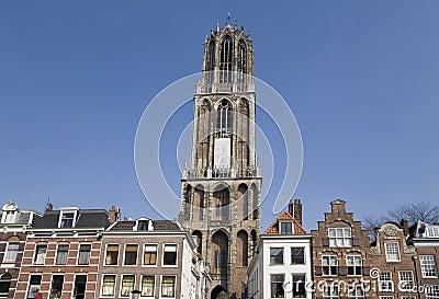 3 wieżę kościoła.