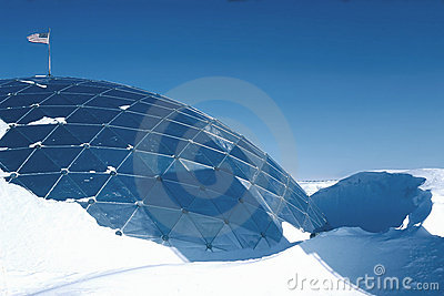 30  ft drift dome at the south pole