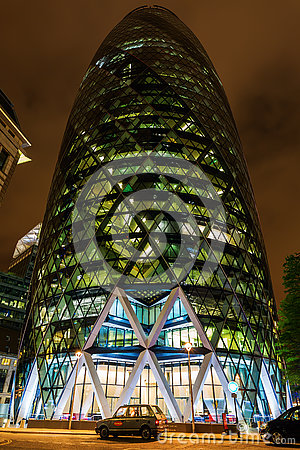 Free 30 St Mary Axe In London, UK, At Night Stock Photo - 74313880