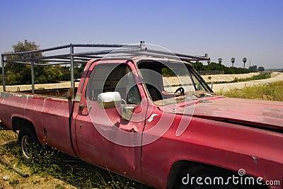 老红色卡车