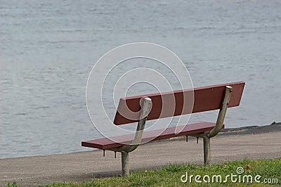 长凳边缘河s