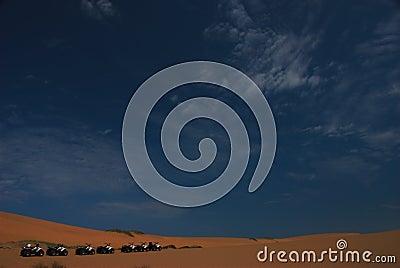 4 wheelers in the desert
