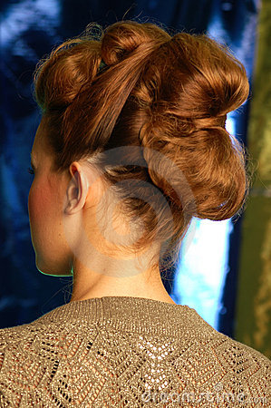 40 s style up do