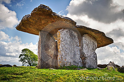 5 000 years old Polnabrone Dolmen in Burren