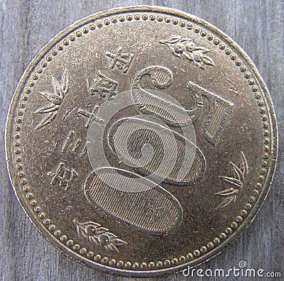 500 иен монетки