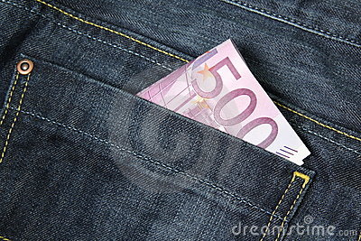 500 Euro banknotes in a jeans pocket