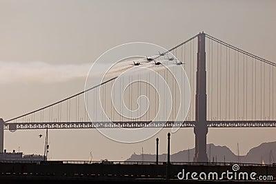 6 jets over Golden Gate Bridge in Fleet Week