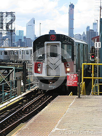 Free 7 Train Arrives At Queensboro Plaza, New York Royalty Free Stock Photo - 44848445