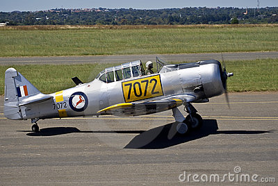 7072 - N. American AT-6C Harvard Mk 4 Editorial Photography