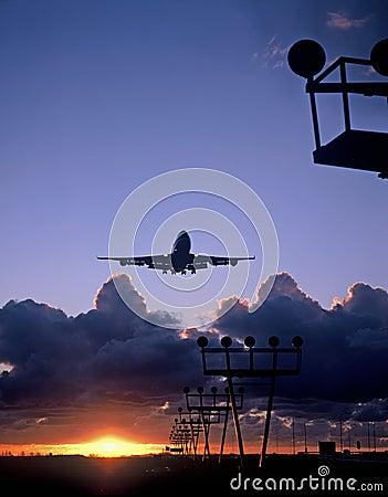 747 landing at schiphol airport amsterdam