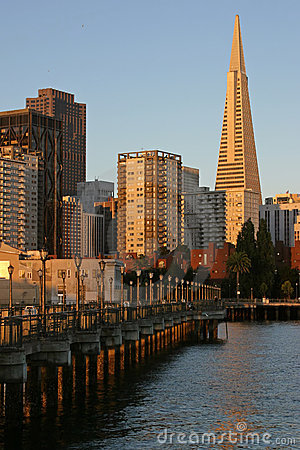 7th Street Pier and Transamerica Building Editorial Stock Image