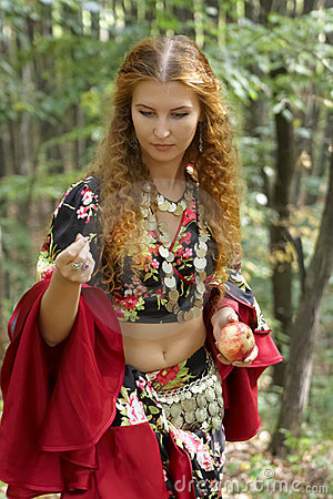 Free A Beautiful Ginger-haired Girl In Gipsy Suit Royalty Free Stock Photo - 10893875