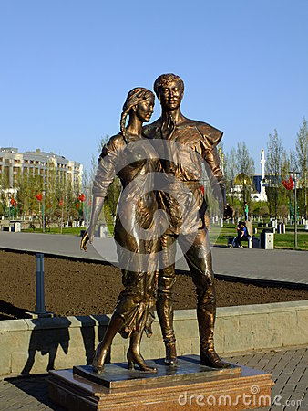 Free A Bronze Statue Featuring A Young Couple In Astana Stock Photos - 40893403