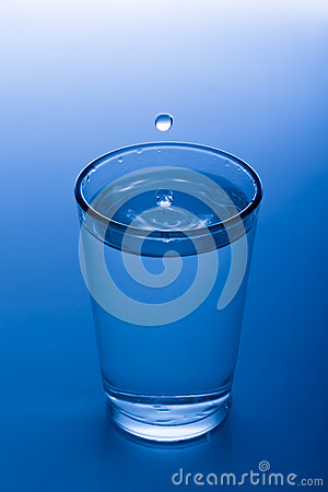 Free A Glass Of Water Stock Photography - 28335582