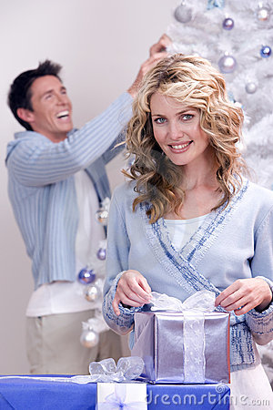 Free A Happy Christmas Couple Royalty Free Stock Photography - 3208677