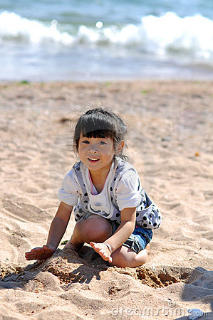 Free A Lovely Chinese Girl Royalty Free Stock Photography - 16366837