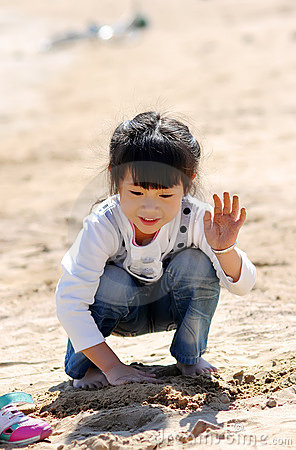 Free A Lovely Chinese Girl Royalty Free Stock Photo - 16392785