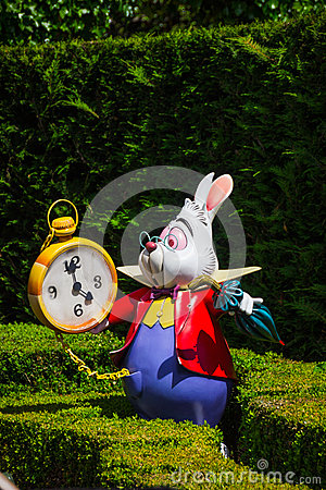 Free A Model Of The White Rabbit From Alice`s In Wonderland Stock Photography - 92815222