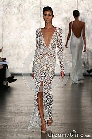 Free A Model Walks At Inbal Dror Bridal Fall Winter 2016 Runway Show Stock Photography - 70615662