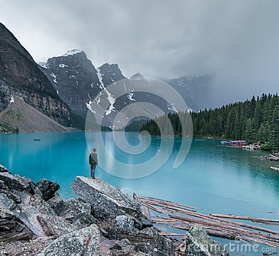 Free A Moody Evening At Moraine Lake In Banff National Park Stock Photography - 111214442