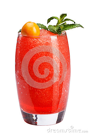 Free A Refreshing Fruit Cocktail. A Refreshing Drink With A Flesh Of Red Berries, Decorated With Mint And Physalis. Royalty Free Stock Photos - 93562968