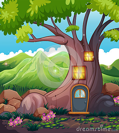 Free A Tree House In The Middle Of The Forest Stock Images - 32676684
