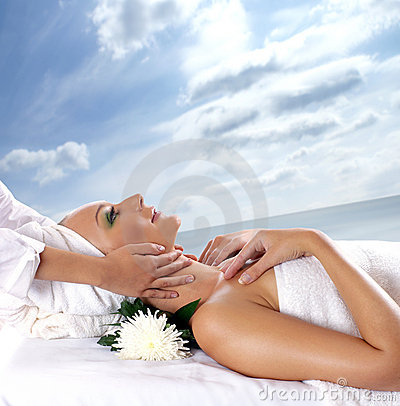 Free A Young Woman Is Getting Spa Treatment Royalty Free Stock Photos - 14362968