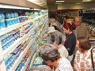 Aan het winkelen Redactionele Foto