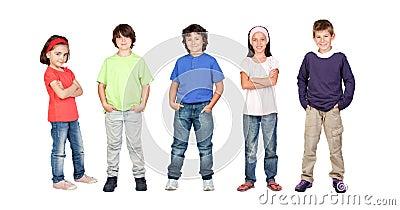 Aanbiddelijke kinderen twee meisjes en drie jongens royalty vrije stock foto afbeelding 16625945 - Twee meisjes en een jongen ...