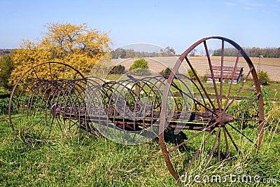 Abandon rustic farm rake