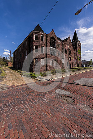 Free Abandoned Baptist Church And Red Brick Streets - McKeesport, Pennsylvania Royalty Free Stock Photography - 90869067