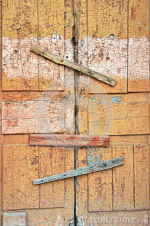 Free Abandoned Broken Wooden Shed Door And Lock. Scored Window Royalty Free Stock Image - 77567786