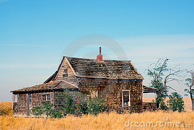 Abandoned Farm House in Oregon Field